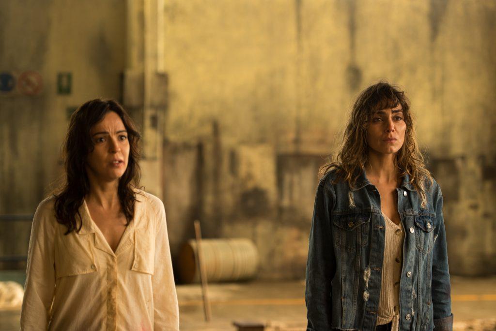 Verónica Sánchez e Irene Arcos en el último episodio de 'El Embarcadero'