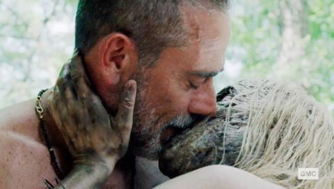 Negan y Alpha batiendo récords y protagonizando la escena más desagradable de la historia de 'The Walking Dead'