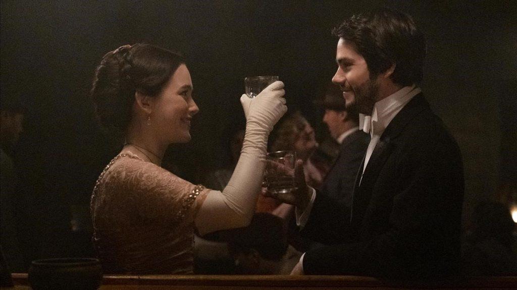 Victoria Pedretti y Dylan O'Brien son los protagonistas de este primer episodio de 'Cuentos asombrosos'