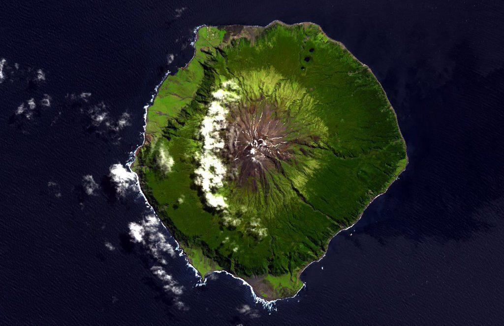 Tristán de Acuña - Foto: NASA