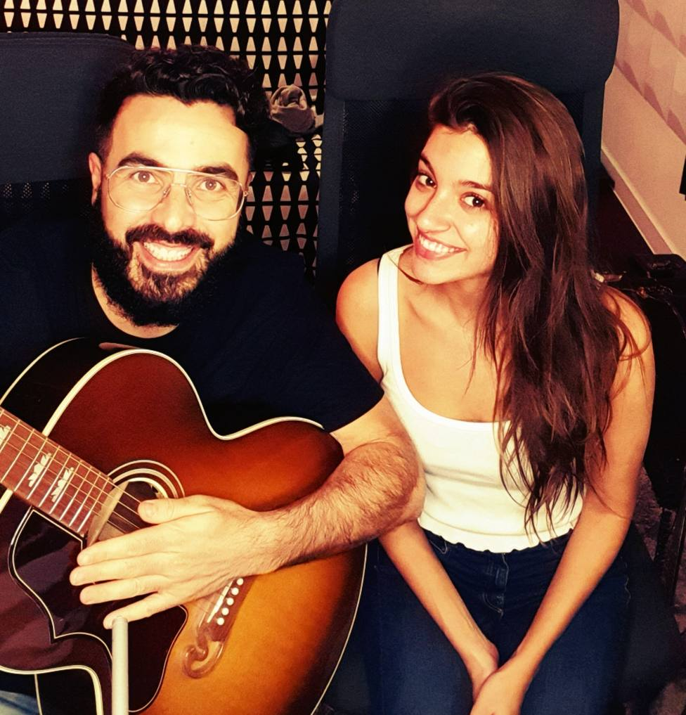 Huecco y Ana Guerra Dos segundos single