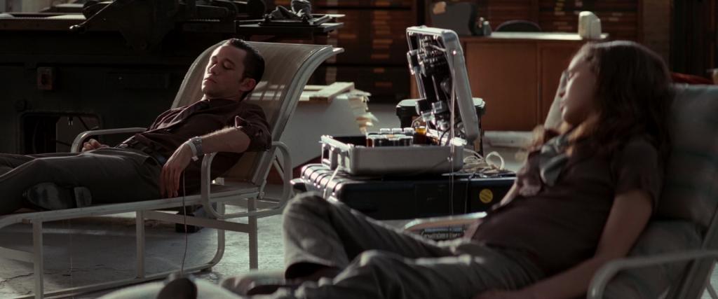 Joseph Gordon-Levitt y Ellen Page en 'Origen' (2010)