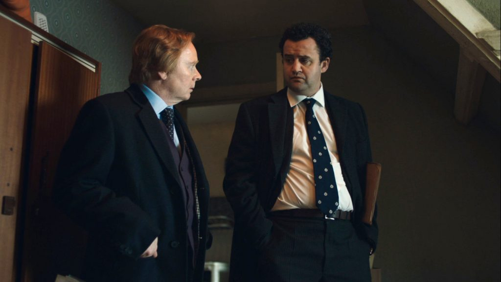 Jason Watkins y Daniel Mays son Brian Masters y el inspector Peter Jay respectivamente