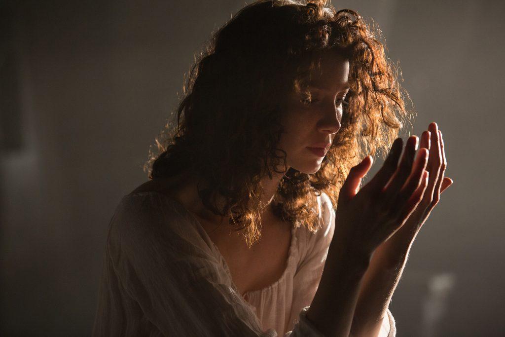 Caitriona Balfe en 'Outlander' 1x07