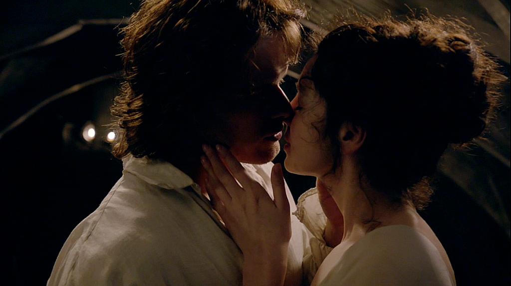 Claire y Jaime en Outlander 1x07